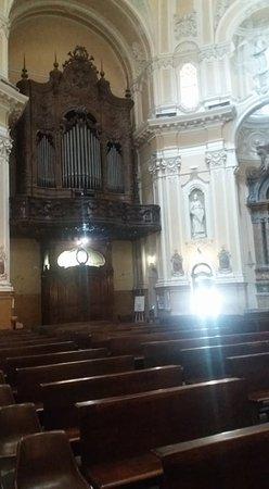 Chiesa Parrocchiale di Sant'Alfonso de' Liguori : Interno chiesa