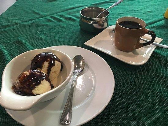 Antica Bar and Restaurant : Coffee and icecream