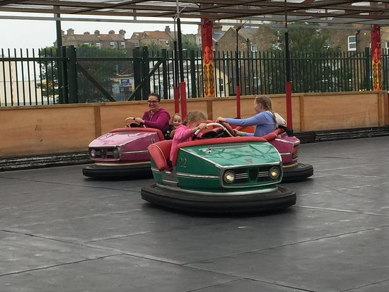 Dreamland Margate : Dodgems, everyone loves a bumper car!