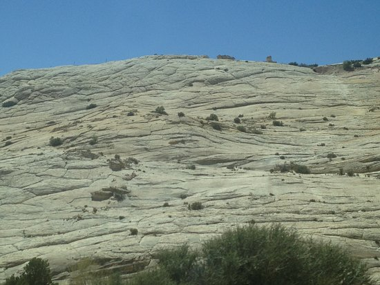 Highway 12 Scenic Byway : Sandstone along the way
