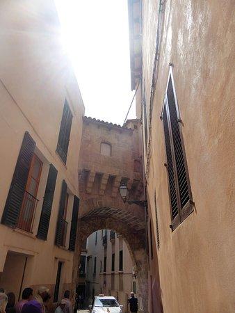 Rutas de Palma: Arco de una mansión