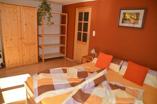 Penzion a Restaurace U Kohoutu: Pětilůžkový apartmán se dvěma ložnicemi