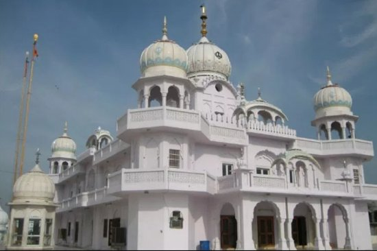 Gurdwara Damdama Sahib: front