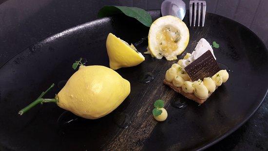 Cabestan: Dessert au Citron de Sicile et Chocolat Ivoire