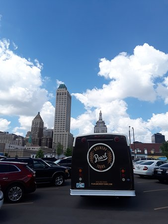 Pearl Brewery Tours: Just look at that skyline