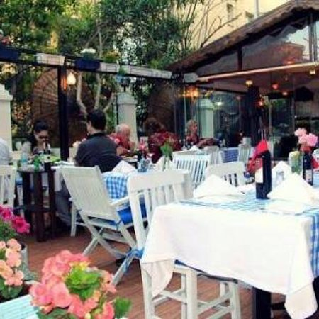 The Cozy Garden Restaurant Image