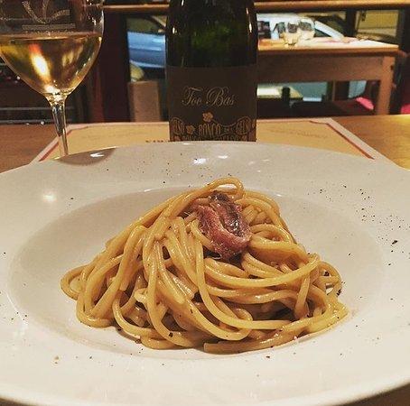 I Colori del Vino: Spaghetti burro e alici con friulano Toc Bas Ronco del Gelso