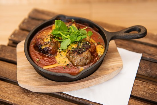 Lauder, UK: Lamb meatballs in a spicy sauce and toasted local cheese