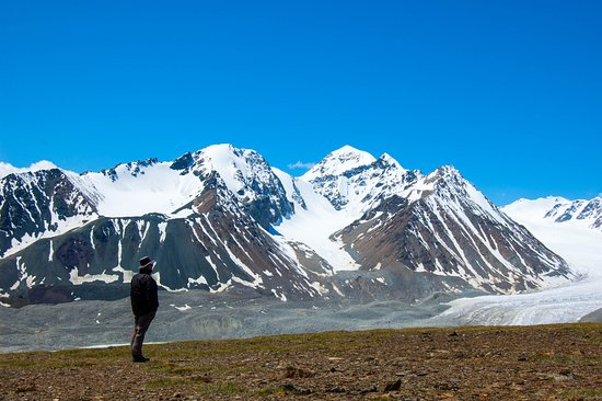 Big Mongolia Travel : Trekking in the Altai mountains. An unforgettable experience.