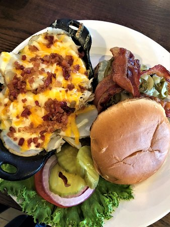 JC's BBQ & Grill: JC's Build Your Own Burger