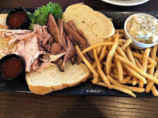 JC's BBQ & Grill: Meat Platter