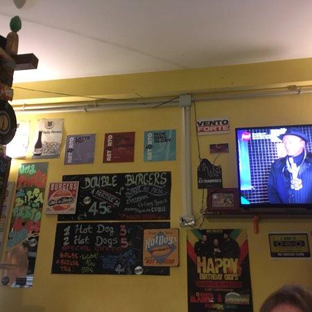 Tsunami Pub : Interni