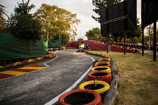 Pro Racing Park: Formula X Karting Center - Costanera Family - Córdoba / Carlos Paz