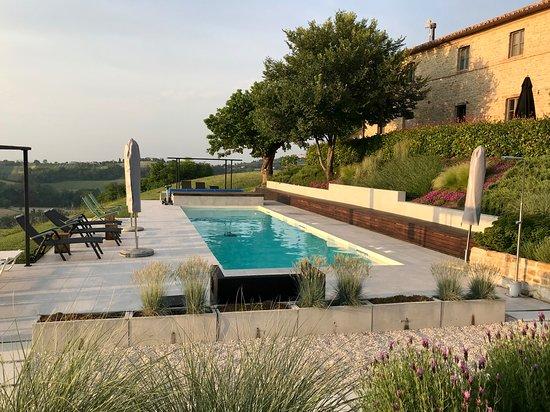 Corte Campioli Casa di Campagna: Casa Vecchia und Poolbereich
