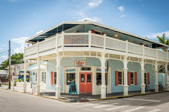 Lucy's Retired Surfers Bar & Restaurant: Lucy's Key West