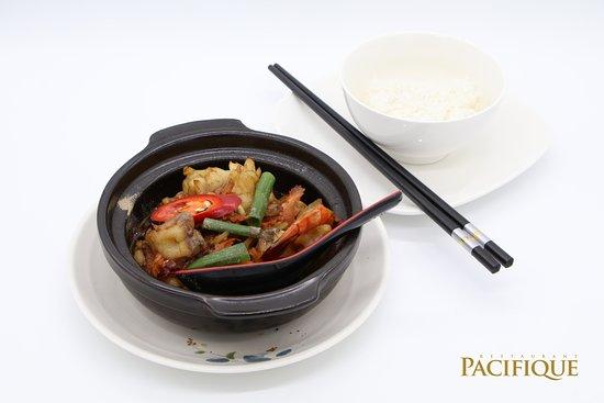 Pacifique Restaurant: Scampis et calamars à l'ail poivre