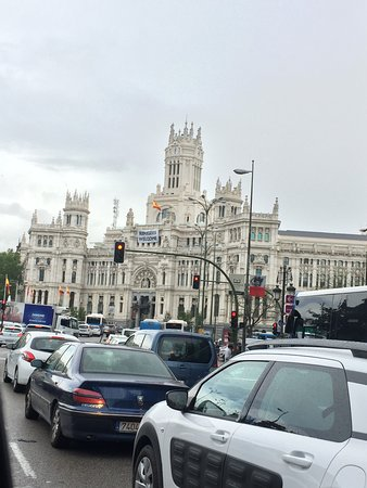 Palacio de Cibeles: Traveling around Madrid