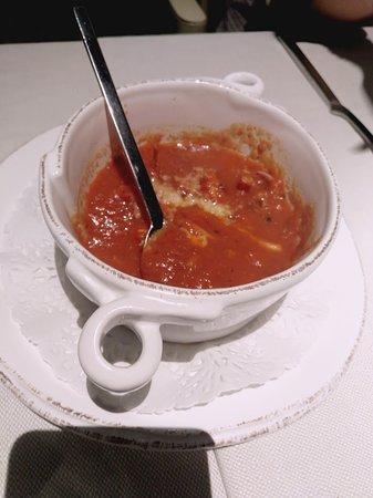 Taverna Del Mercato: Totani con sugo con menta e pecorino