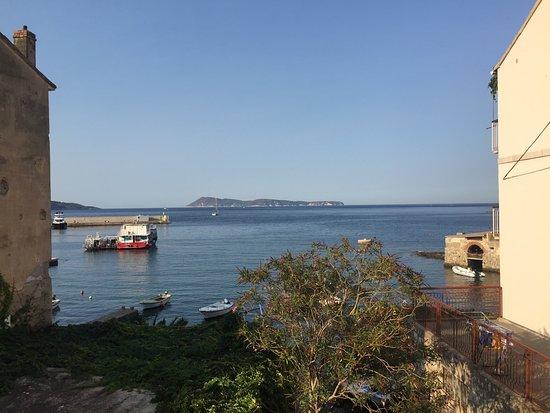 Excursão particular às 5 cavernas azuis da ilha de Trogir: Bisevo from komiza