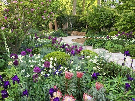 Sisley Garden Tours: Chelsea Flower Show