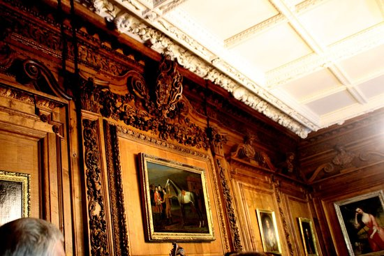Tredegar House: ornate carving and paintings