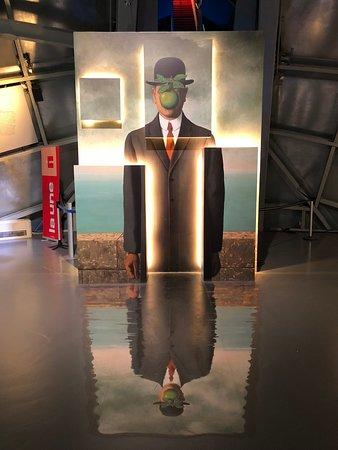 Atomium: Magritte exhibit