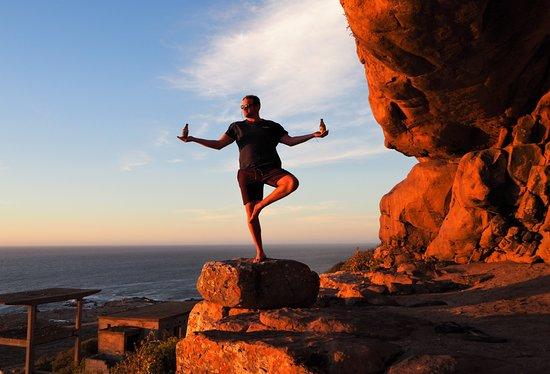 Κόλπος Lambert, Νότια Αφρική: Fun yoga at Baboon Cave in Elandsbaai