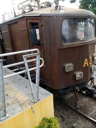 Estrada de Ferro Campos do Jordao: parte externa do trem