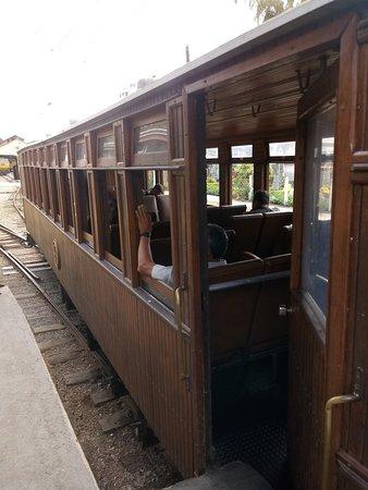 Estrada de Ferro Campos do Jordao: trem de passageiros de Pinda