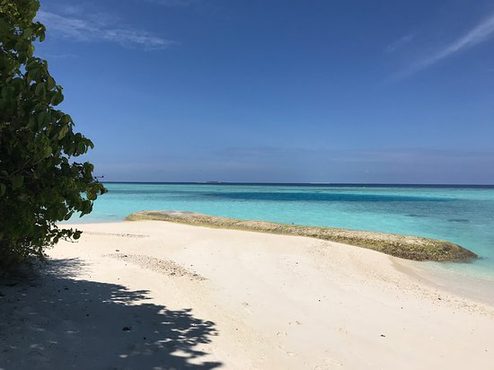 Landaagiraavaru Island Photo