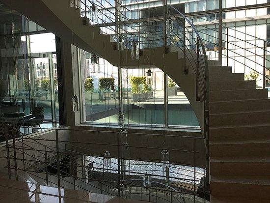 Olissippo Oriente : Escadas de Acesso aos pisos superiores e inferiores