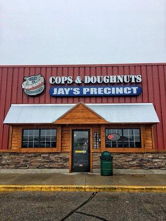 Cops & Doughnuts - Jay's Precinct: Outside