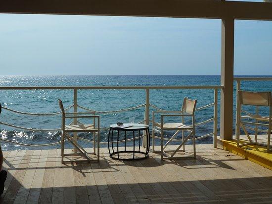 Mayor La Grotta Verde Grand Resort: Beach tunnel bar