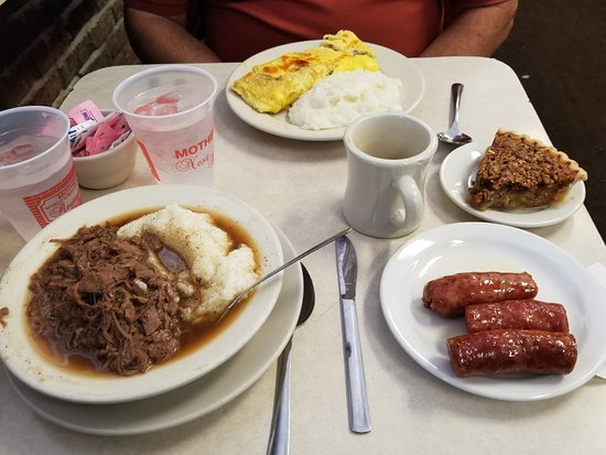 Mother's Restaurant : Grits and debris, Mae's omelet, smoked sausage, pecan pie; a light breakfast...:)
