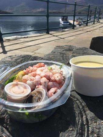 Fisherman's Kitchen : prawn salad and award winning cullenskink.