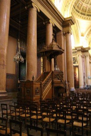 Cathédrale Saint-Pierre: Кафедральный собор Святого Петра