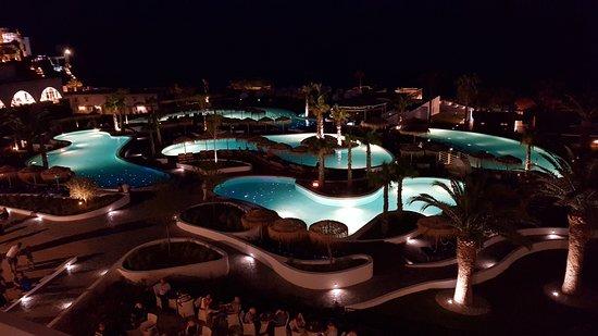 Mitsis Norida Beach Hotel: und nachts