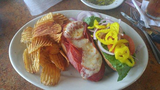 Sutton's Italian Restaurant照片