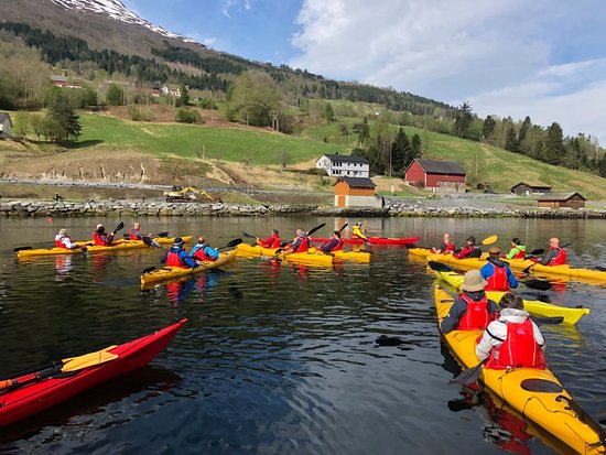 Olden: Kayaking is a treat on the Nordfjord!
