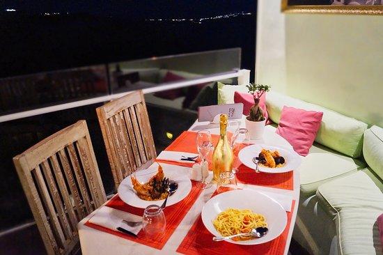 1500 BC Restaurant: Seafood Restaurant Fira, Santorini