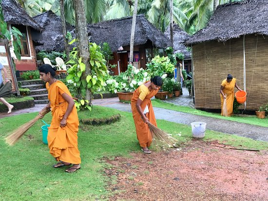 Chowara, India: Taking care of the park area
