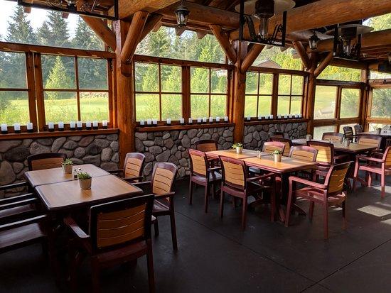 Cedar Ridge Golf Course: Our beautiful dining area of the Ridge Grill.