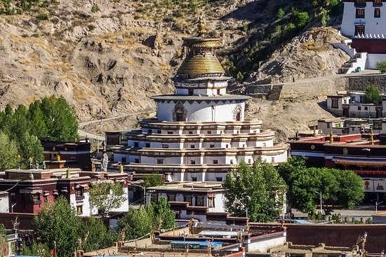 """Gyangze County, China: Il grande stupa chiamato """"Centomila"""" (Kumbum)"""