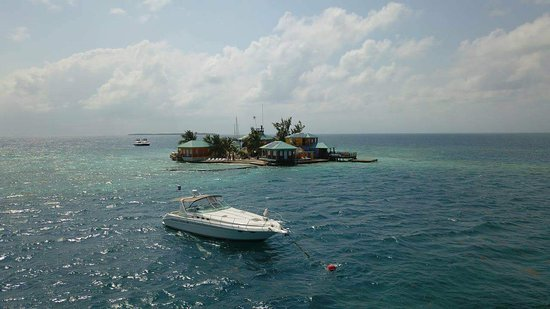 King Lewey's Island Resort: Looking for a vacation in paradise? Look no further