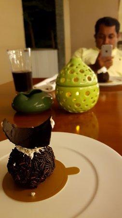 Marriott's Bali Nusa Dua Gardens: Sweet cravings at midnight!!