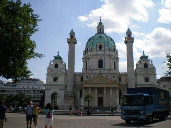 圣查尔斯教堂照片