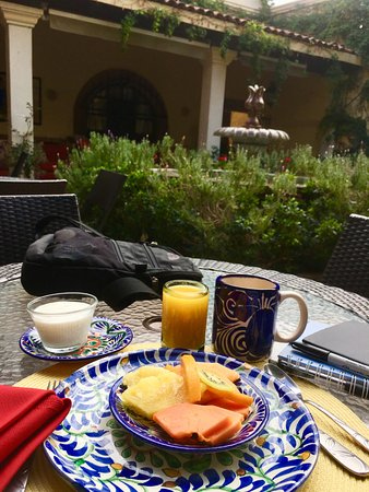 Casa de la Noche: breakfast is included and can be served on the patio