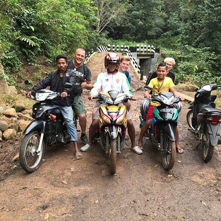Marleno Flores Tour Guide照片