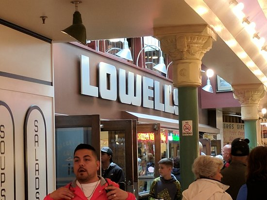 Foto de Lowell's Restaurant