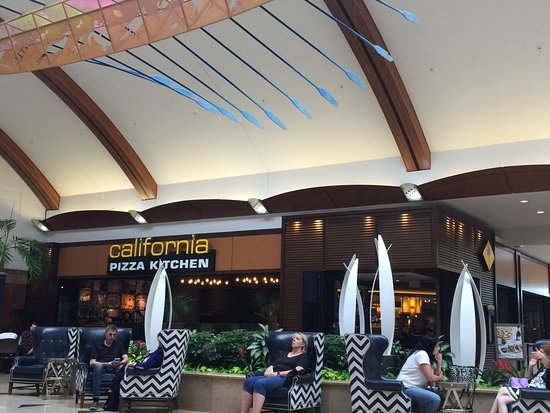 Nice Location In The Mall Picture Of California Pizza